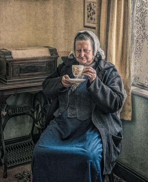 Granny\'s Tea by Dave_Canon
