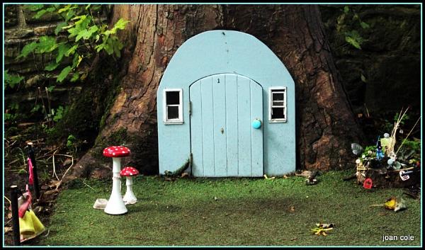 TREE HOUSE by EMJAYCEE