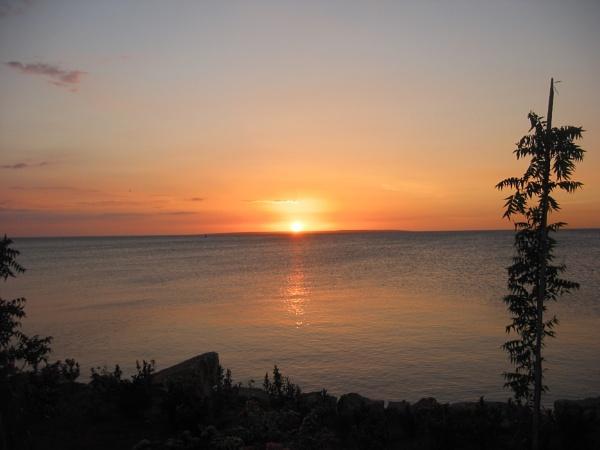 Ocean Sunset by voyger1010