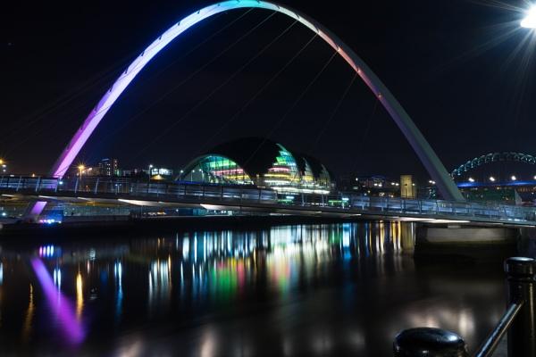 Newcastle Millennium Bridge & Sage by kingofthebiffs