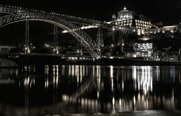 Porto, Portugal by bitterr_sweett