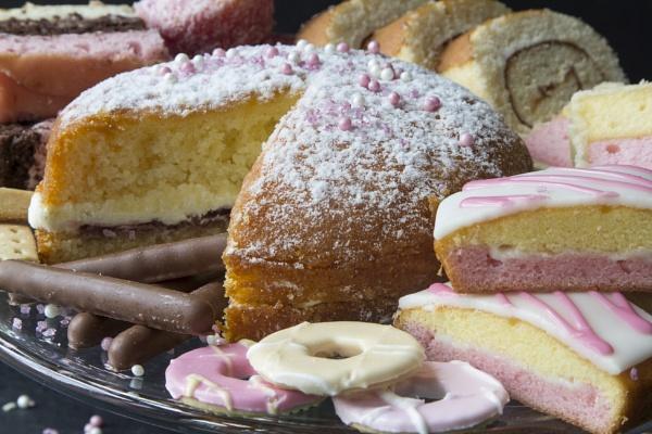 Cake by Trawden