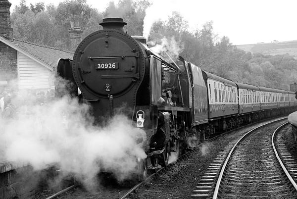 Mono Train @ Grosmont. by peterthowe