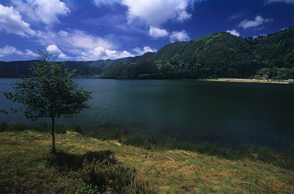 Furnas Lake by Cat&Mouse