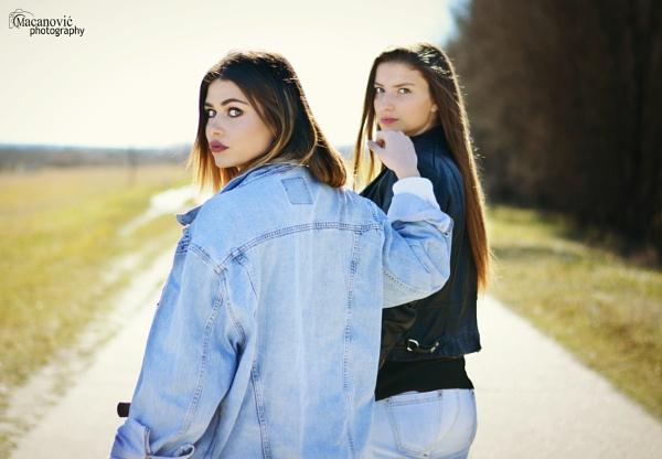 fashion girls by MyOwnWonderland