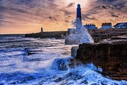Stormy sea's