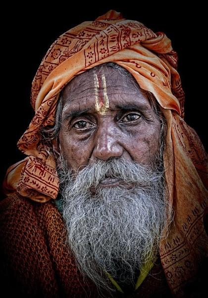 hindu pilgrim in Varanasi Assi Ghat by sawsengee