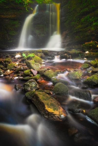 Misty Falls by douglasR