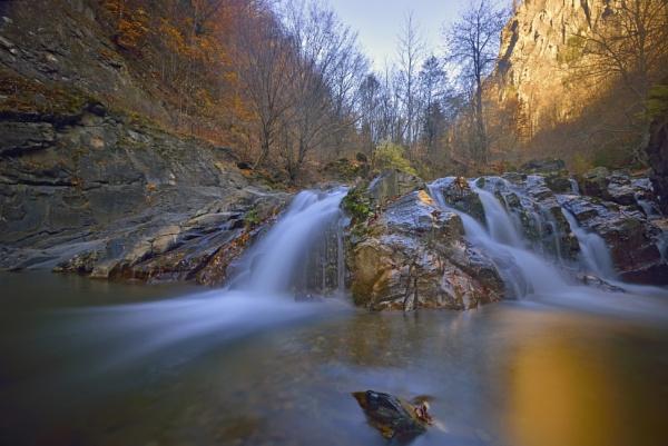 Autumn landscape by jordachelr