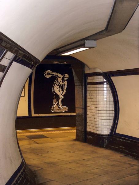Going Underground Clapham South by StevenBest