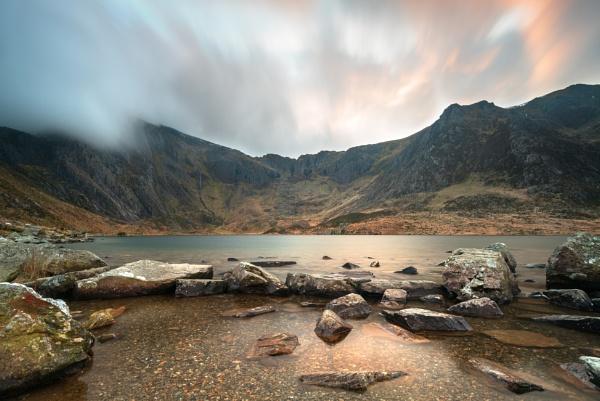 Llyn Idwal by WeeGeordieLass