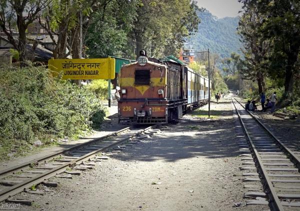 Joginder Nagar Railway Station [India] by Bantu