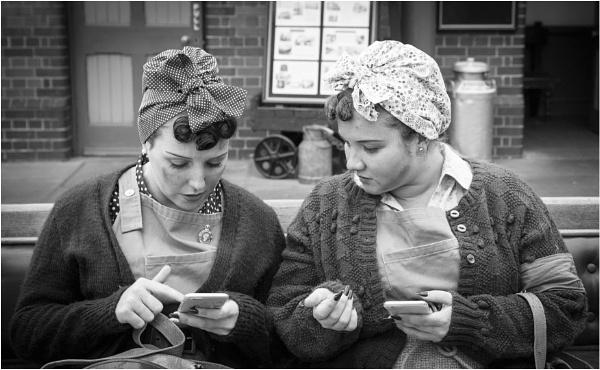 1940s iphones. by thelooneybishop