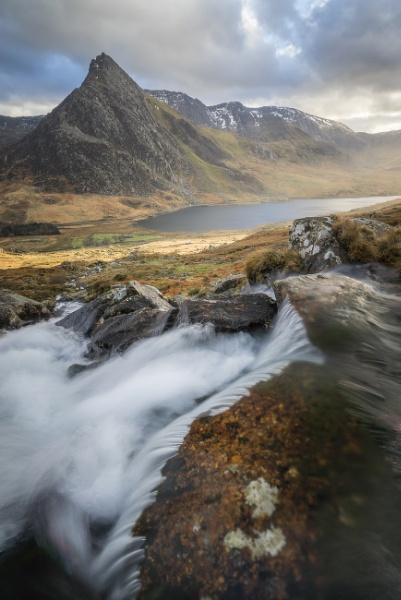 Afon Lloer by jamesgrant