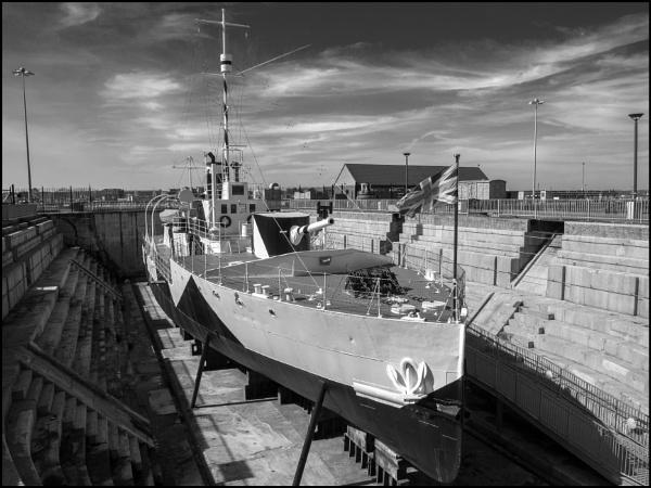 HMS M33 by bwlchmawr