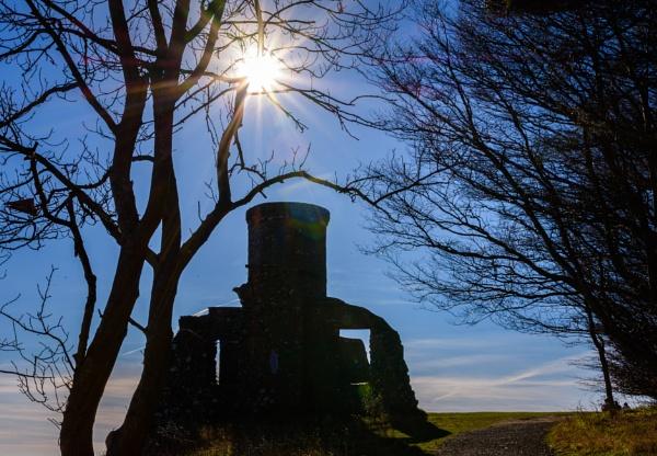 Kinnoull Hill Tower by billmyl