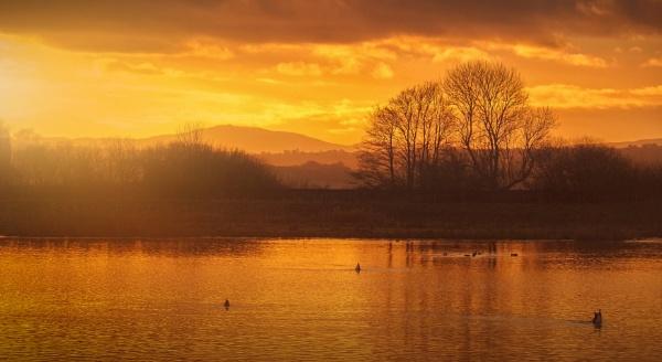 My wife\'s Burton lake by Ledwar