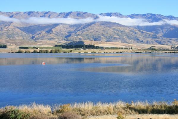 Lake Dunstan. Otago. New Zealand. by Nigel_NZ