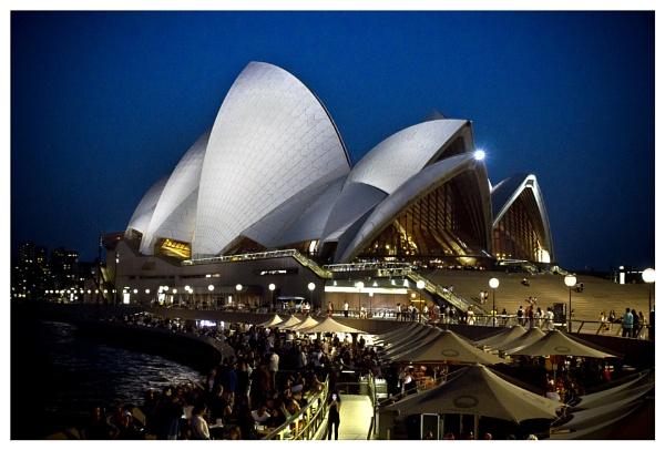 Sydney Opera House by TheDreamSeeker