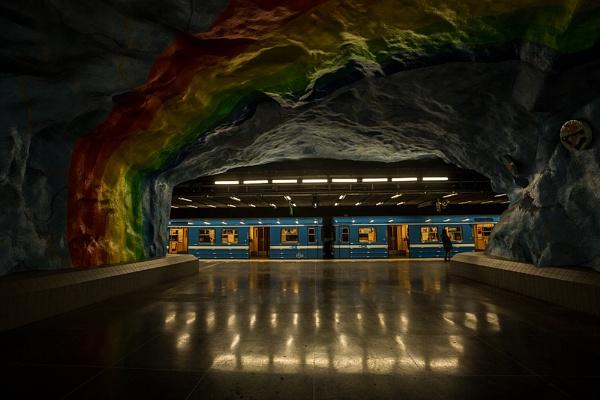 Beneath a rainbow by rontear