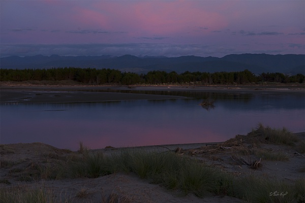 Dusk over the Ohau River (0637) by paulknight