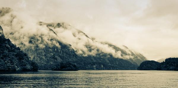 Doubtful Sound by tf