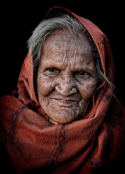 sweet old lady of Pushkar by sawsengee