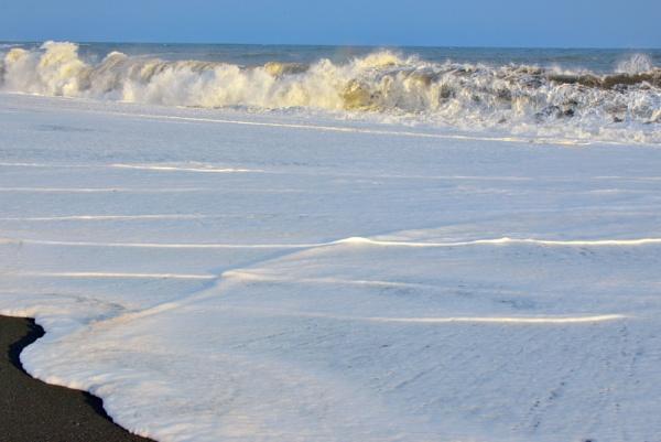 ocean waves by jordachelr