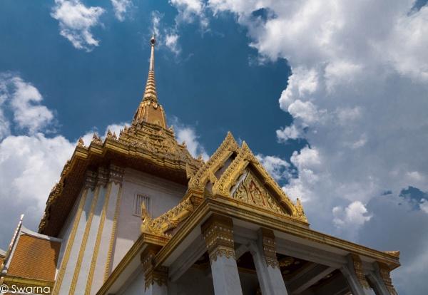 Golden Buddha Temple - Bangkok by Swarnadip
