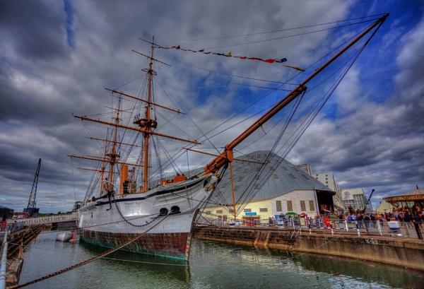 HMS Gannet by Rod20