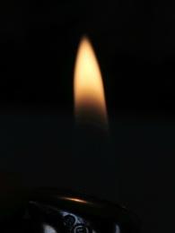 Photo : A bit hot -lighter flame