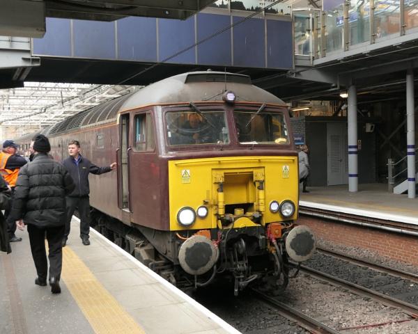 Edinburgh Waverley Station by Ted447