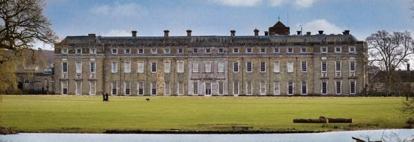 Petworth House by grahammooreuk