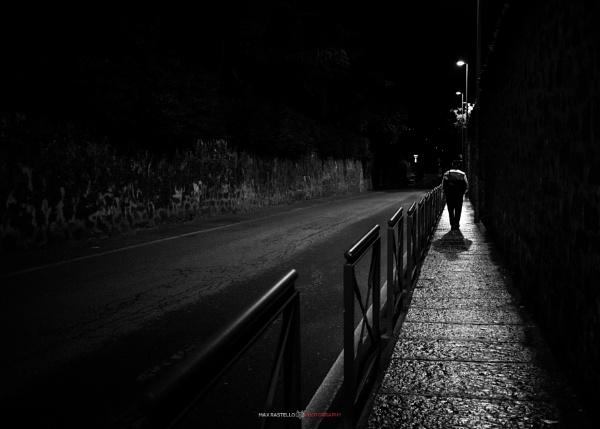 Walking man by maxrastello