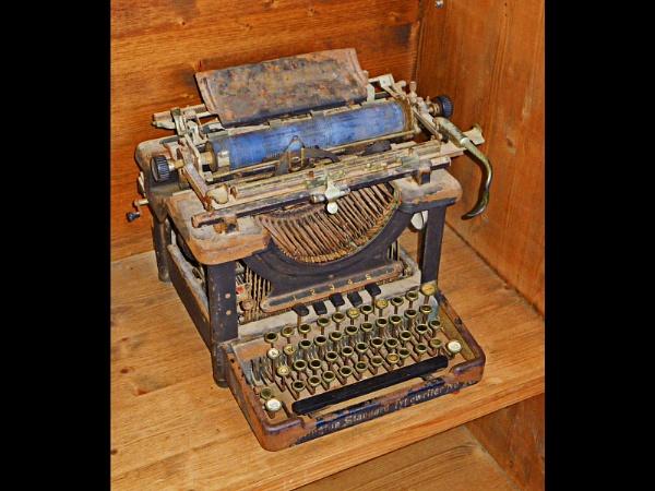 Old Remington Typewriter by mudge