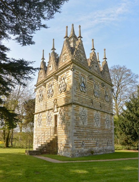 Triangular Lodge,  Rushton by Suzicoo