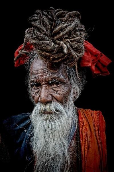 Sadhu in Varanasi by sawsengee