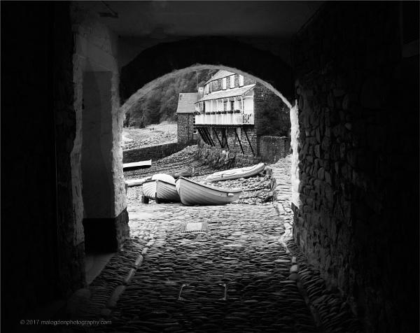 Clovelly Arch by Techno