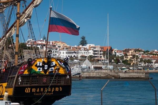The Russian frigate Shtandart by HarrietH