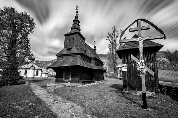 Wooden tserkva Rusky Potok by marek100