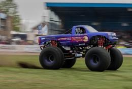 Slingshot Monster Truck