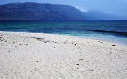 White Sand Beach & High Cliffs