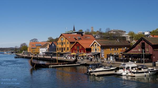 Tønsberg. 2269 by Richard Hovland