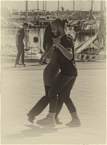 Dancing in the Street - 2 by Kurt42