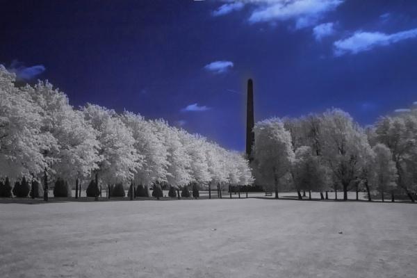Nelson\'s Monument - Glasgow Green IR by Irishkate