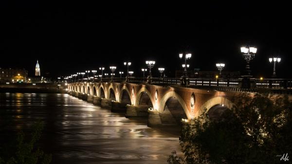 Pont de pierre (the stone bridge), Bordeaux by chataignier