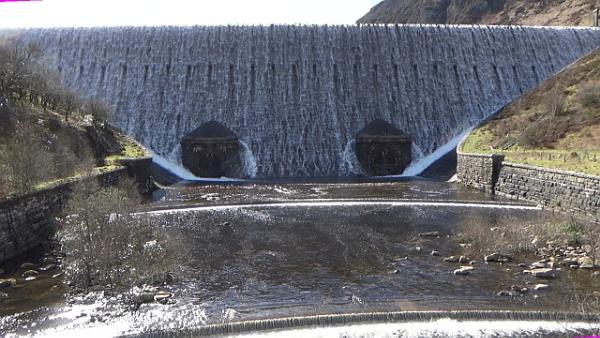 Elan Valley Dam by Brilane