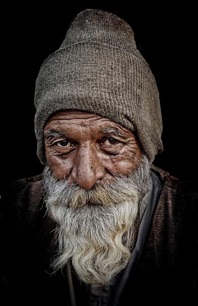 Old man of Pushkar 2 by sawsengee