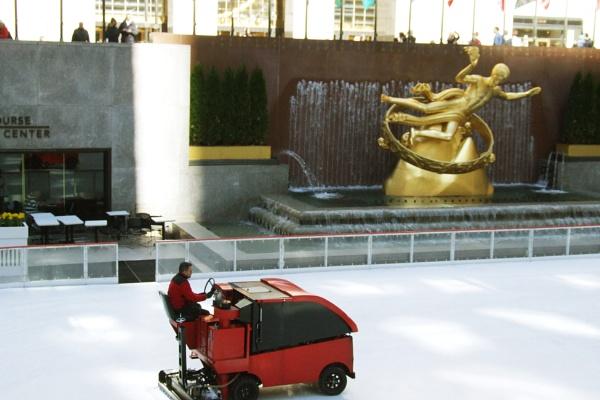 Ice Rink -- Rockefeller Centre by GardenofEden