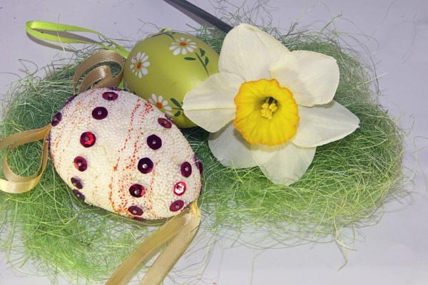 easter egg by binder1